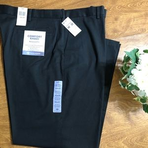 NWT Dockers Black Relaxed fit stretch Men's pants